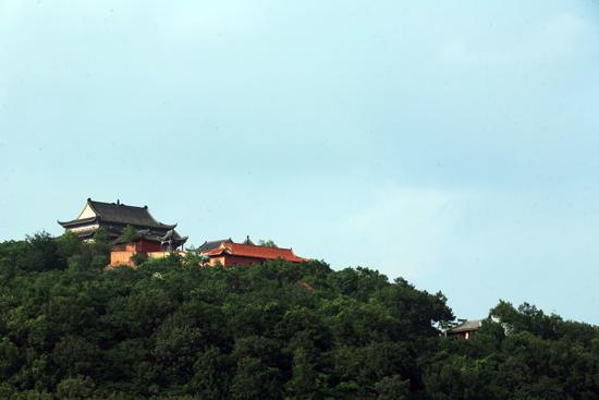 西九华山旅游风景区位于河南省固始县南部境内,观赏面积80平方公里,是